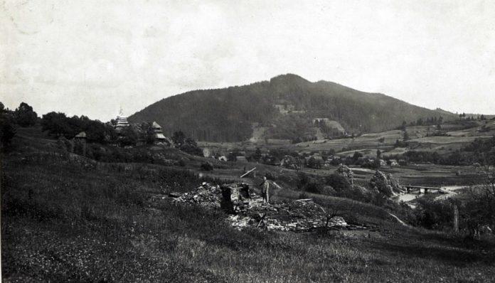 Село Головецько на столітніх фото