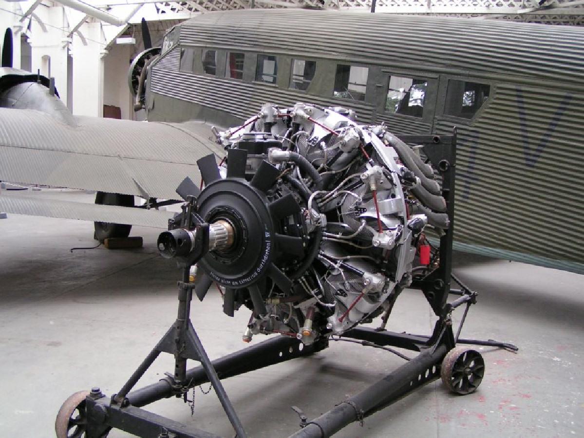 Двигун JU-52, Wikipedia