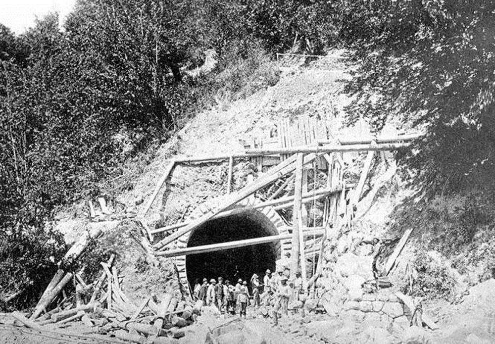 Будівництво першого Бескидського тунелю. 1885-87 рр.