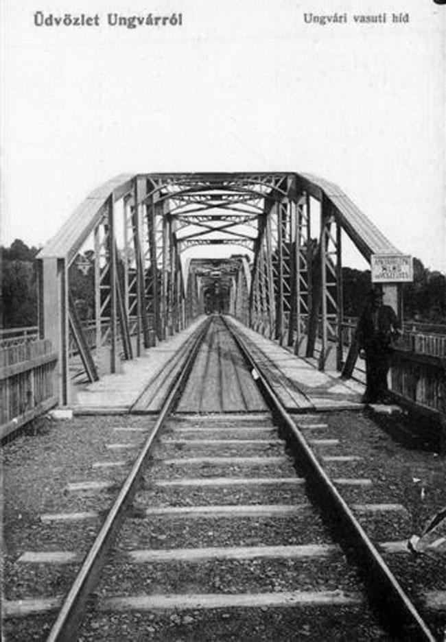 Металевий залізничний міст в Ужгороді. Поштова листівка 1900-х років