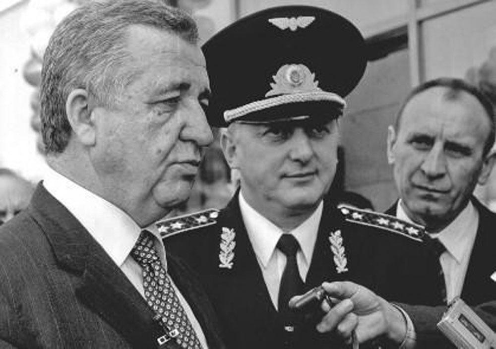 Керівник «Укрзалізниці» Георгій Кірпа і начальник Львівської залізниці Богдан Піх. Початок 2000-х років