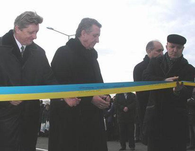 Богдан Піх, Георгій Кірпа, Олександр Сендега та Любомир Буняк під час відкриття Сихівського шляхопроводу