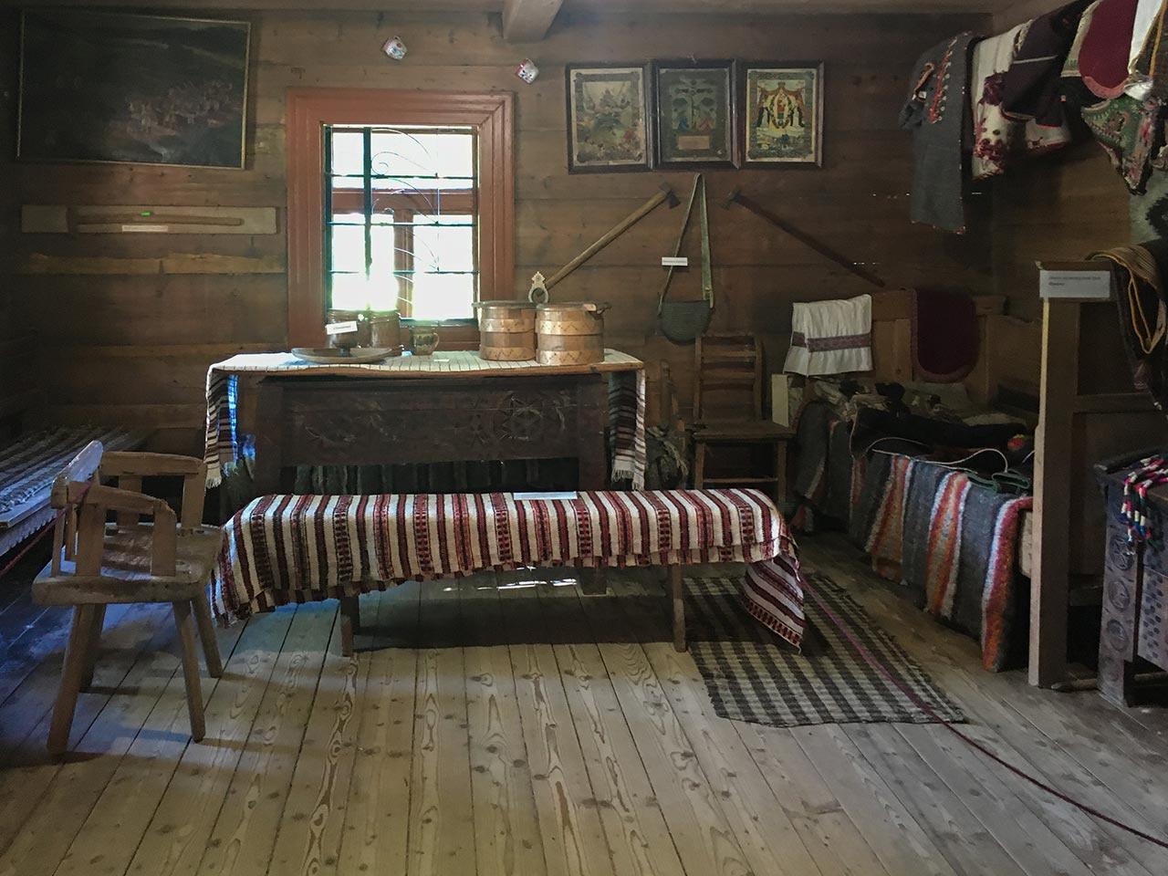 Кімната, яку Іван Франко винаймав у домі Василя Якіб'юка. Сучасний вигляд, приміщення ЛММ Івана Франка в Криворівні. Фото авторки