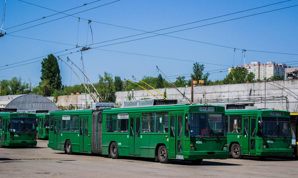 Тролейбуси «Київ – 12.03», збудовані на «Авіанті», у Куренівському тролейбусному депо КП «Київпастранс». 2018 р.