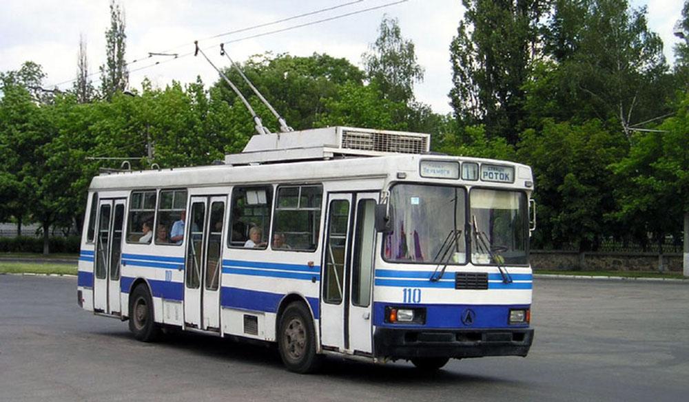 Тролейбус ЛАЗ-52522 під час роботи на лінії у м. Біла Церква на Київщині. 2004 р.