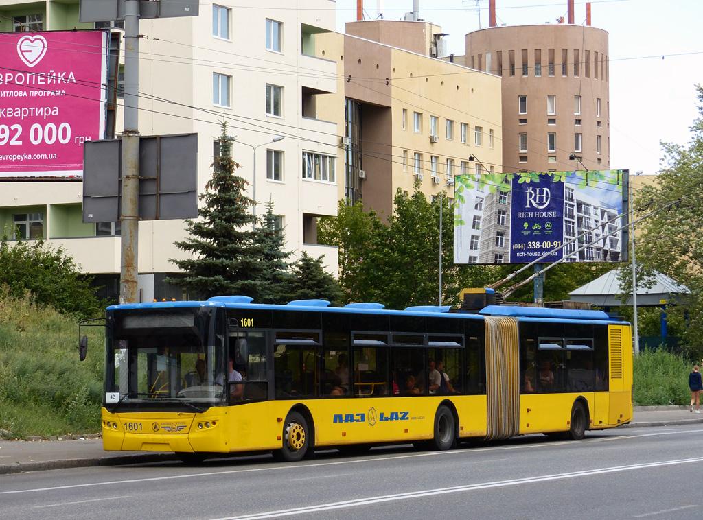 Зічленований тролейбус ЛАЗ Е301D1 в Києві. 2018 р. Автор фото – Олександр Тарасов