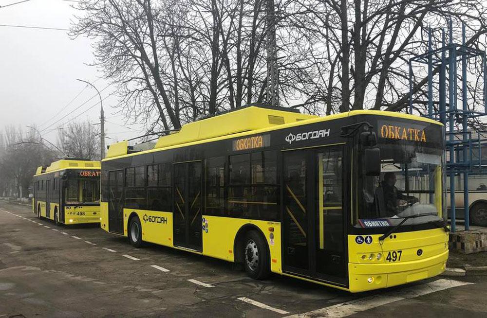 Серійні тролейбус «Богдан» Т701.17 у стандартному жовтому фарбуванні. 2019 р.