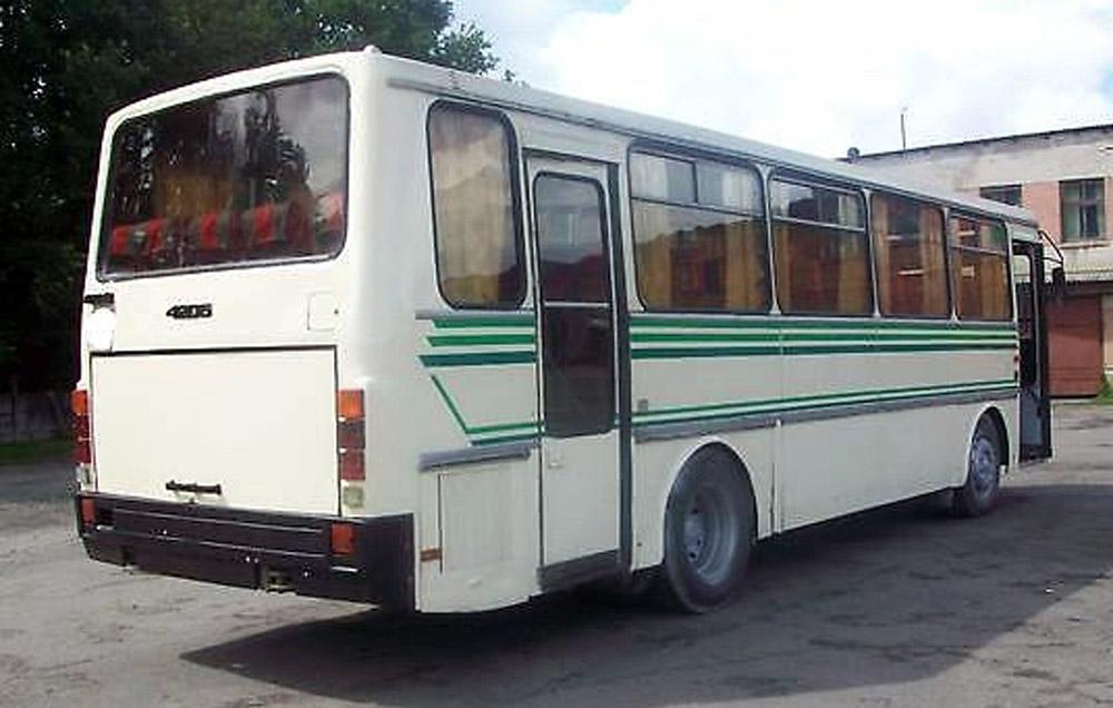 Автобуса ЛАЗ-4206, вигляд ззаду