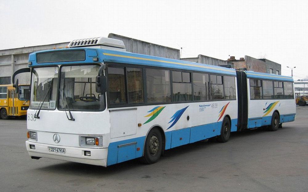 Зічленований автобус ЛАЗ-6206 (ЛАЗ А291) у Києві. Фото 2003 р.