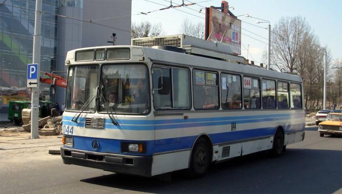 Тролейбус ЛАЗ-52522, розроблений на базі кузова автобуса ЛАЗ-52521. Фото 2007 р.