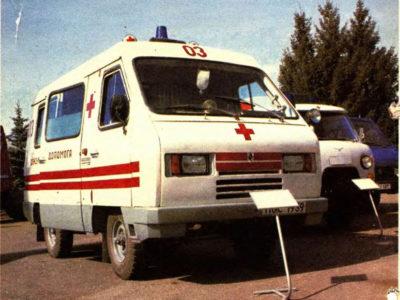 Прототип мікроавтобусу «Сула» 3980 – карета швидкої медичної допомоги на Виставці досягнень народного господарства у Києві. 1993 р