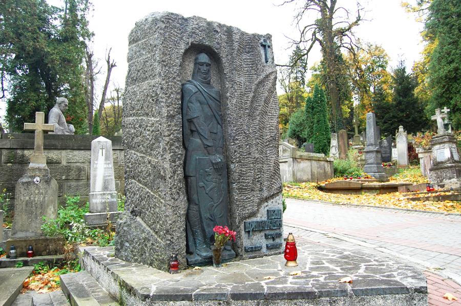 Могила Івана Крип'якевича
