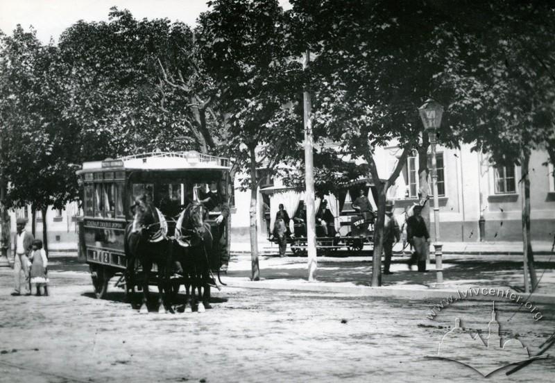 Омнібус та кінний трамвай на теперішній вул. Чернівецькій, фото, 1900 рік