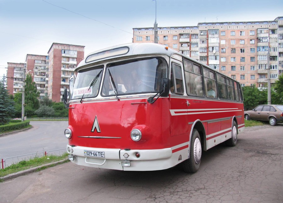 ЛАЗ-697М
