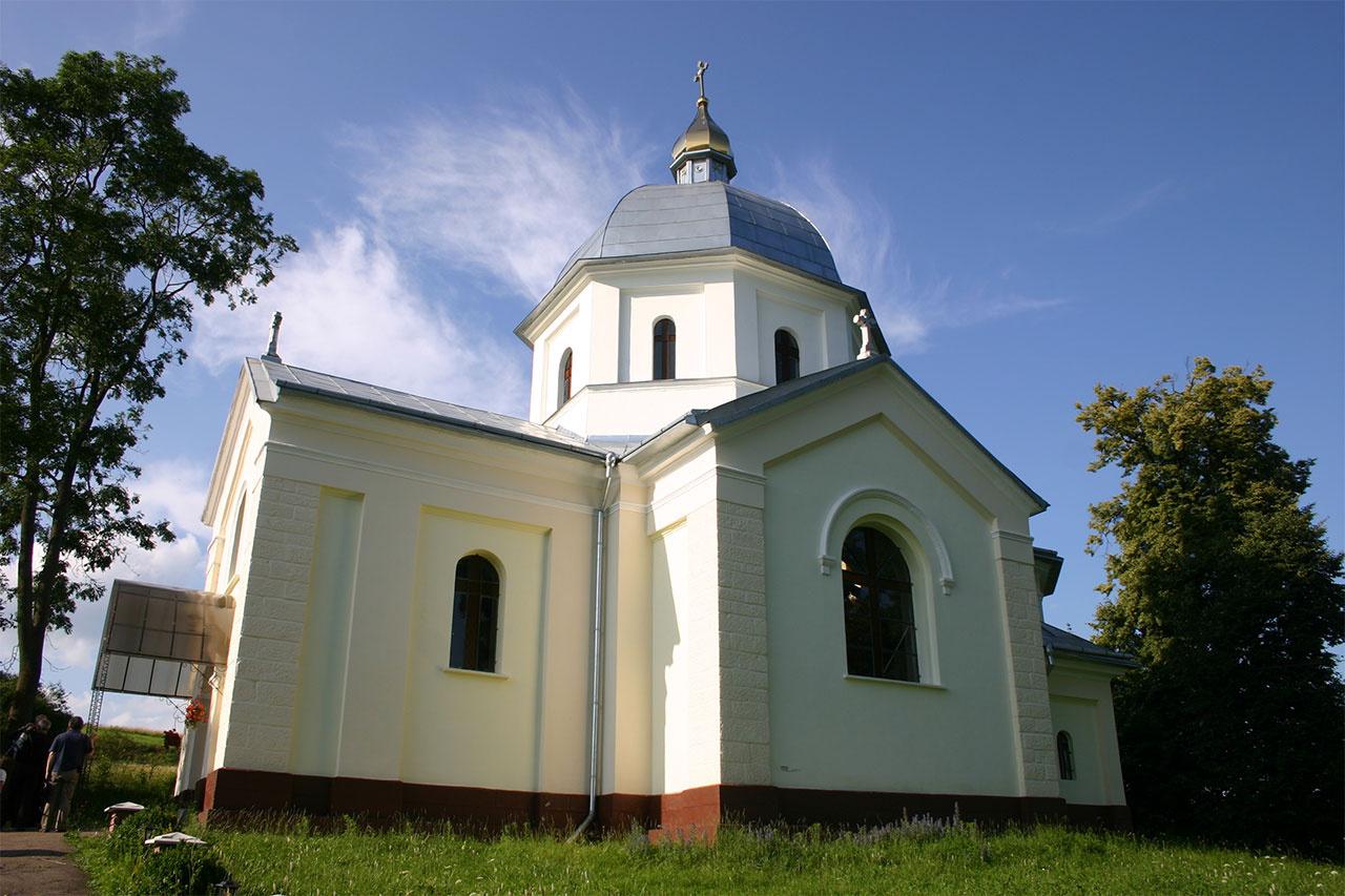 Церква Св.Вм. Дмитрія у селі Лука Золочівського району Львівської області