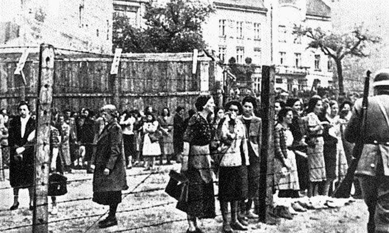 Львівське ґетто. Фото зроблене у 1942 році (з фондів Вікіпедії)